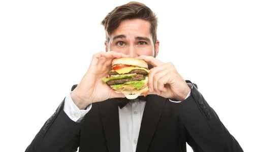 Donald Trump Criticizes John Kasich's Dining Etiquette