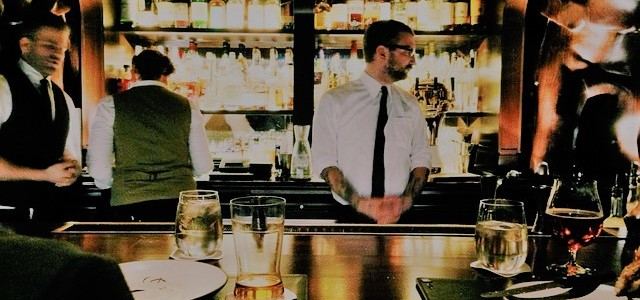 12 Ways to Get a Bartender's Attention